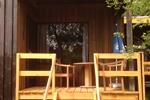 Veranda der rustikalen Ferienhäuser für den Familienurlaub in der Lünerburger Heide für zwei Personen